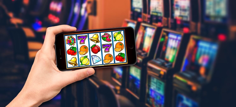 4 Keuntungan Utama Bermain Slot Uang Asli di Kasino Online